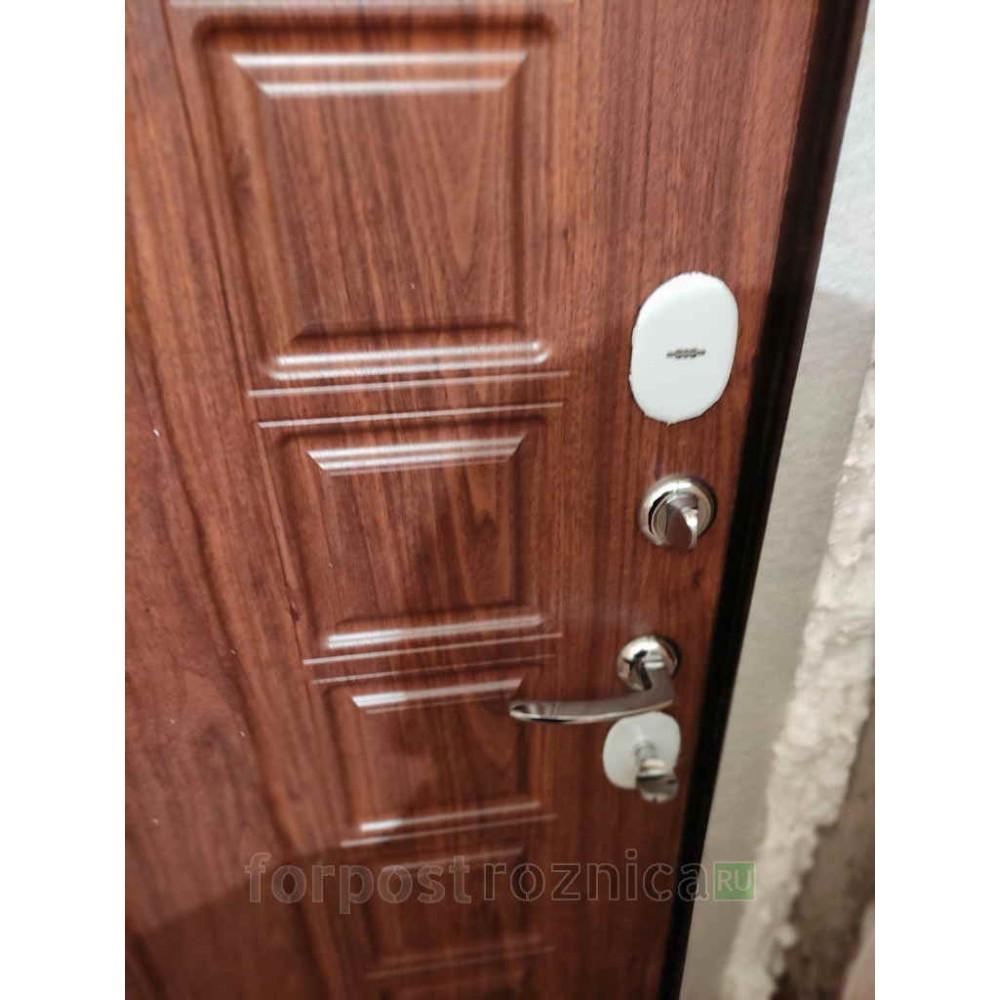 Входная дверь АСД Спартак в цвете темный орех (Антивандальные)