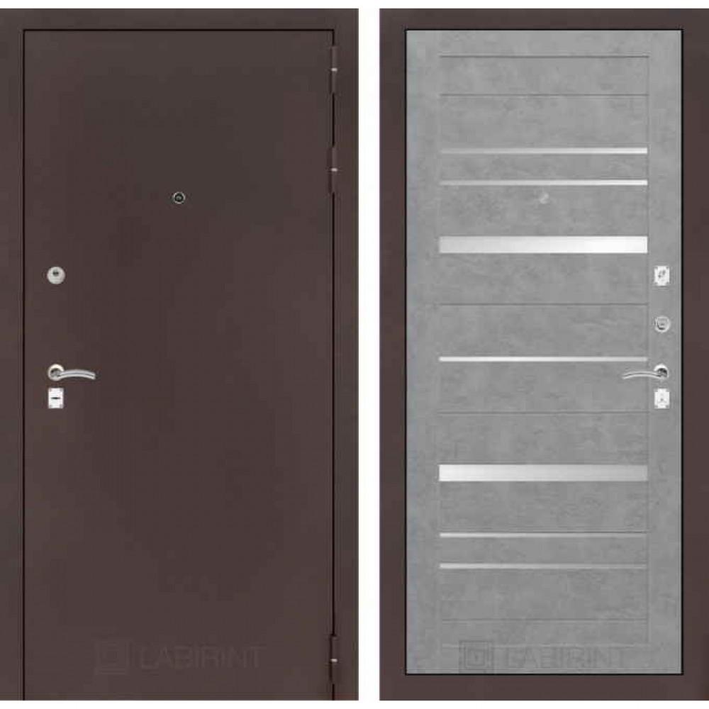Входная дверь Лабиринт CLASSIC антик медный 20 Бетон светлый (утепленные)