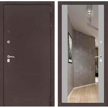 Входная дверь Лабиринт CLASSIC антик медный с Зеркалом Максимум - Софт Грей (трехконтурные)