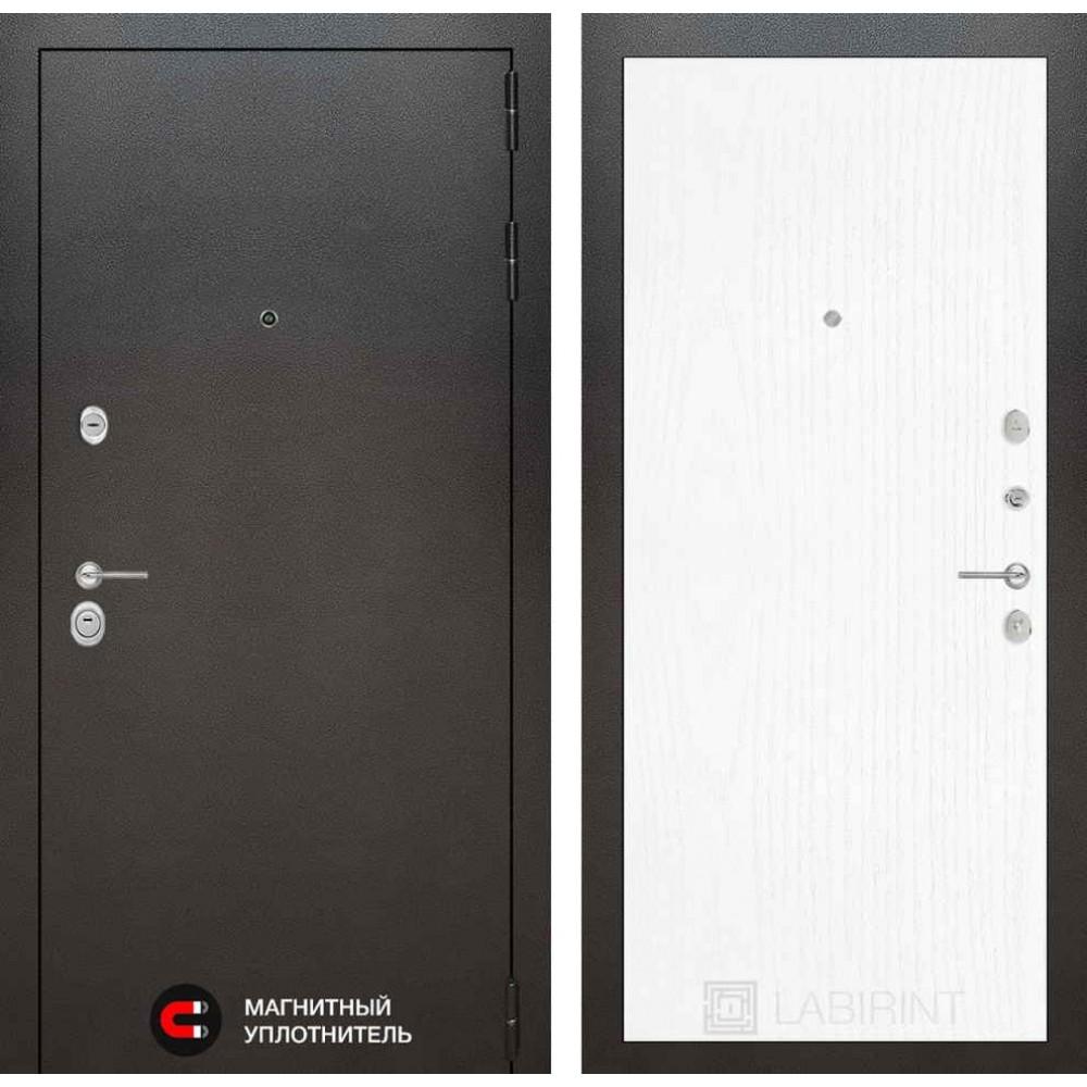 Входная дверь Лабиринт SILVER 07 - Белое дерево (антивандальные)