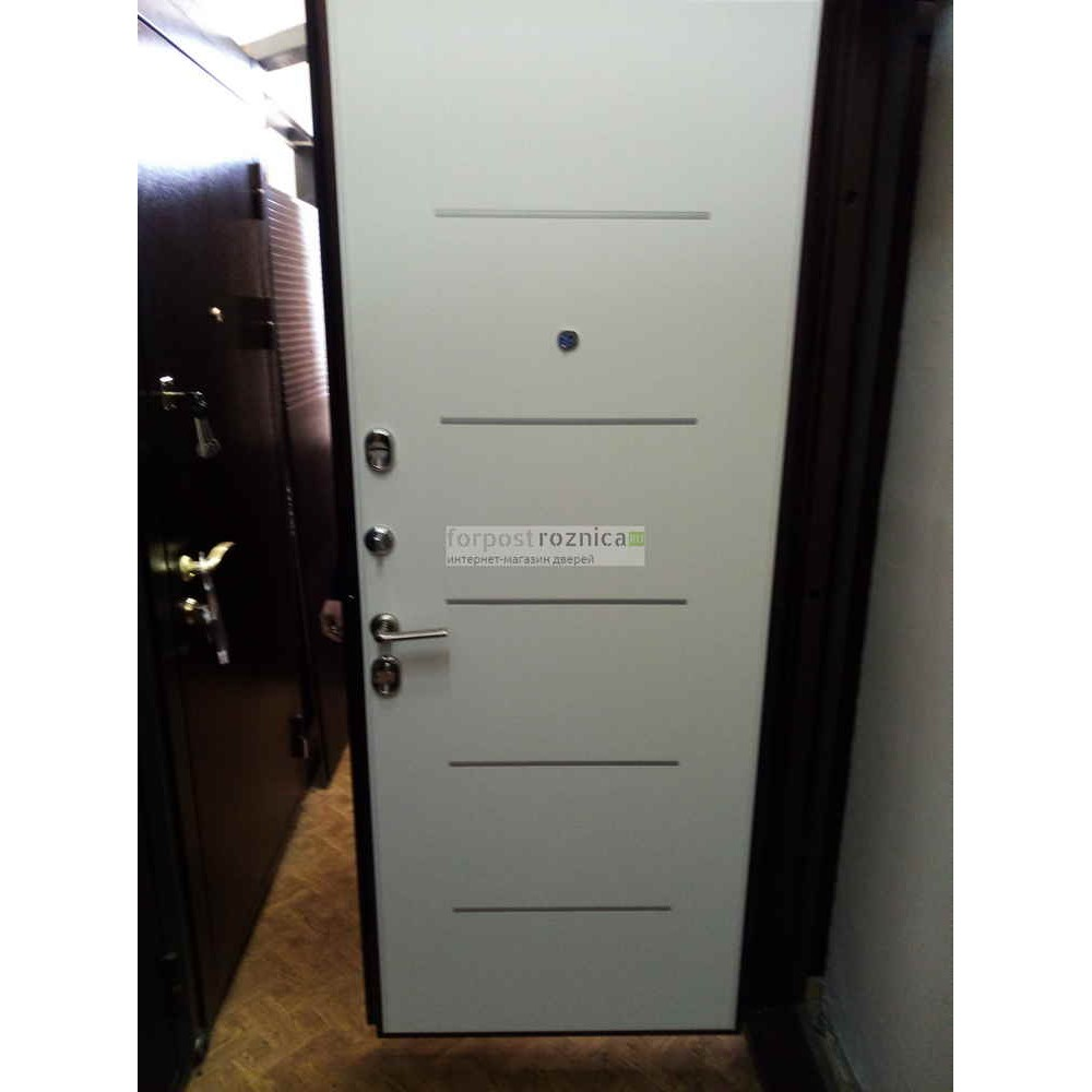 Входная дверь Ратибор Омега 3К Белый Ясень (трехконтурные)