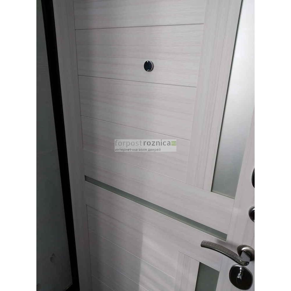Входная дверь Ратибор Авангард 3К Лиственница Беж (трехконтурные)