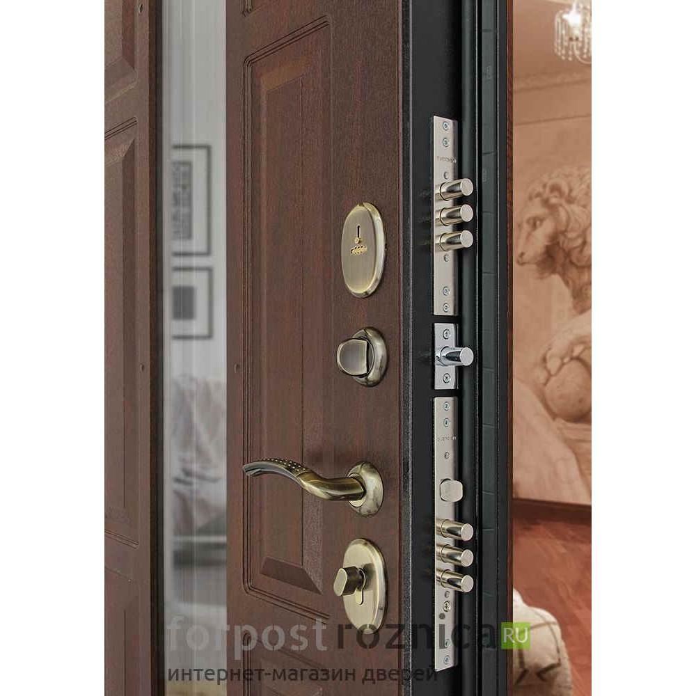 Входная дверь с ковкой Континент Лион 3К с окном и ковкой (Орех тёмный )