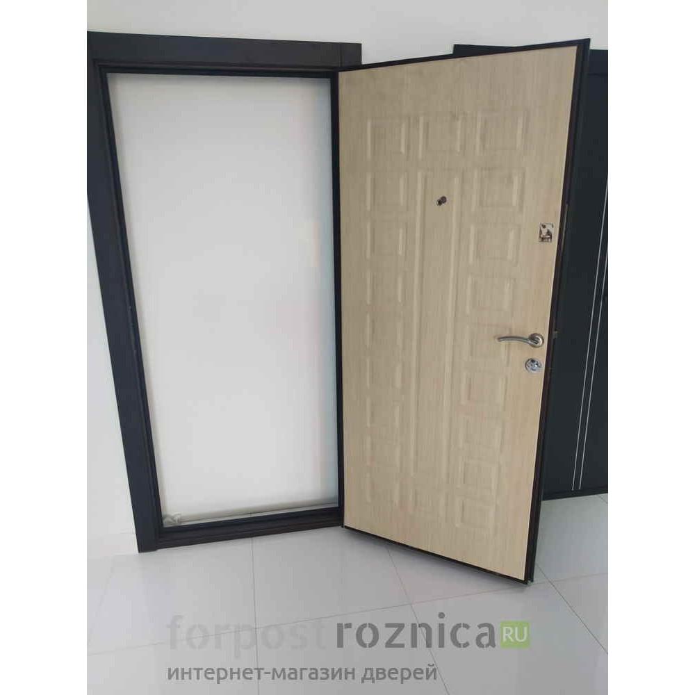 Входная дверь Континент Люкс Беленый дуб (с шумоизоляцией)