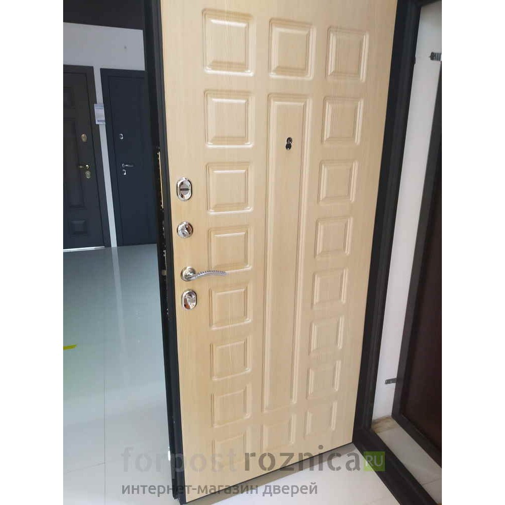 Входная дверь Континент Сити-3К  Беленый дуб (с шумоизоляцией)