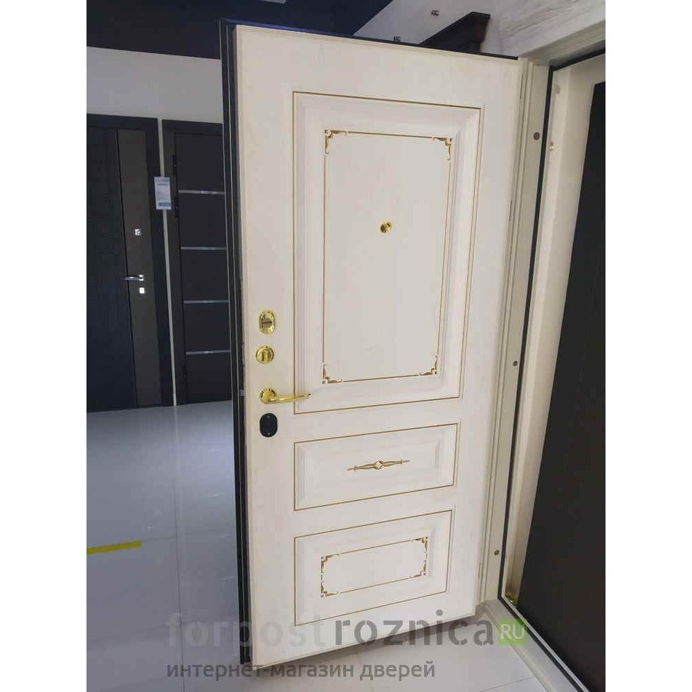Входная дверь Континент Бьянка Белая с патиной (с шумоизоляцией)