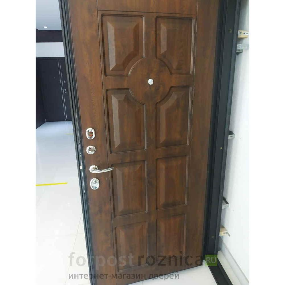Входная дверь Континент  Милан Темный орех (с шумоизоляцией)