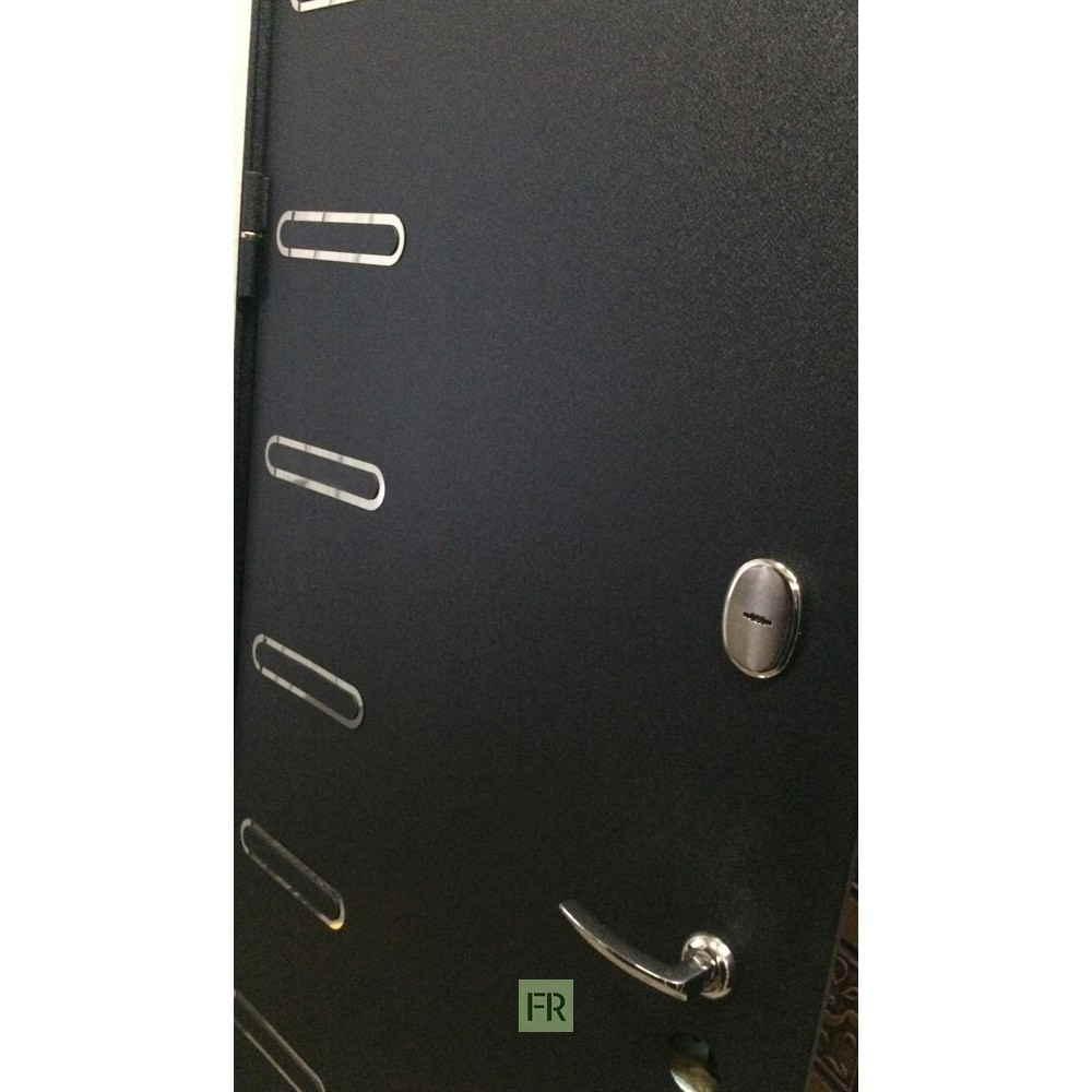 Входная дверь Лекс Витязь 33 Винорит Голден патина черная (Трехконтурные)