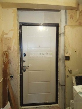 Металлическая дверь Цитадель Гарда 7,5 белый ясень (Антивандальные)