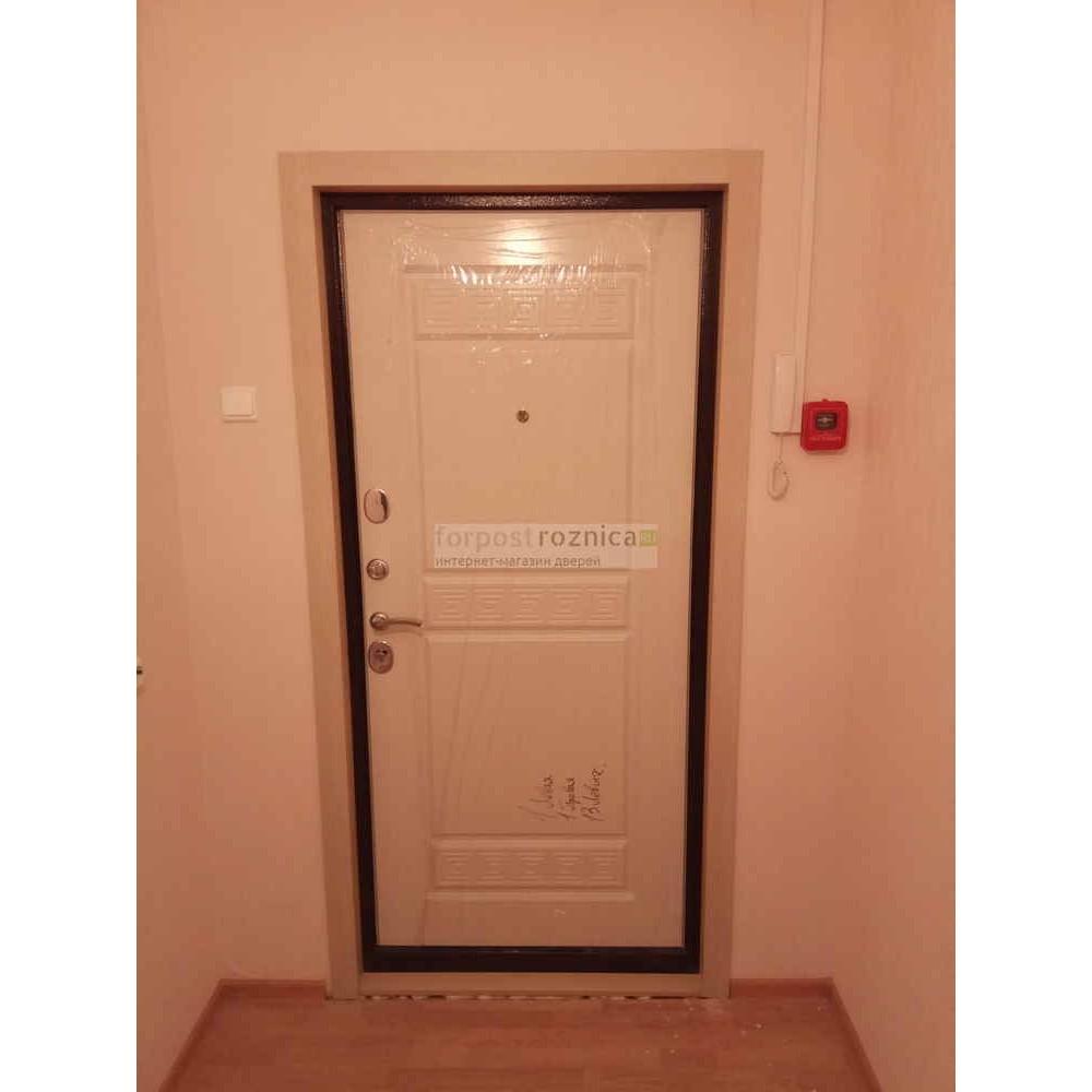 Входная дверь Цитадель Троя 10 см Белый Ясень (Трехконтурные)