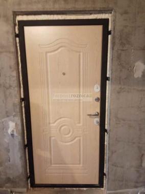Металлическая дверь АСД Гермес в цвете венге и белёный дуб