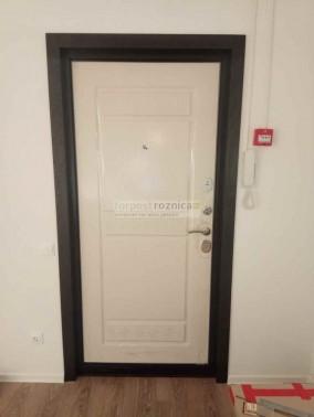 Металлическая дверь Цитадель Троя 10 см Белый Ясень (Трехконтурные)