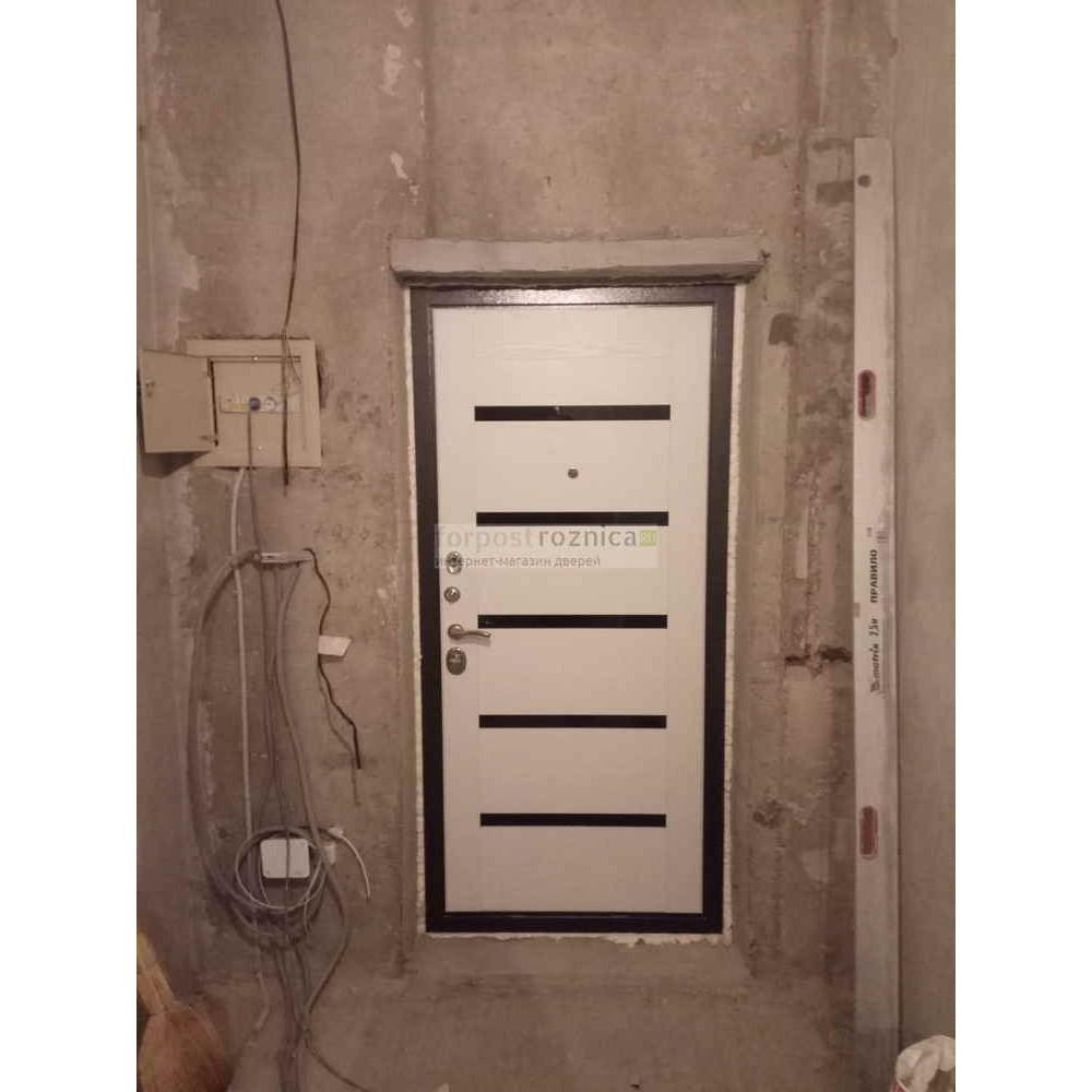 Входная дверь Рекс 5 СБ-14 Сандал Белый  (Трехконтурные)