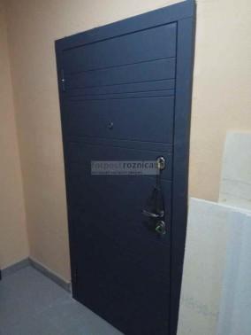 Металлическая Дверь Металюкс Статус Лайн М700 (с шумоизоляцией)