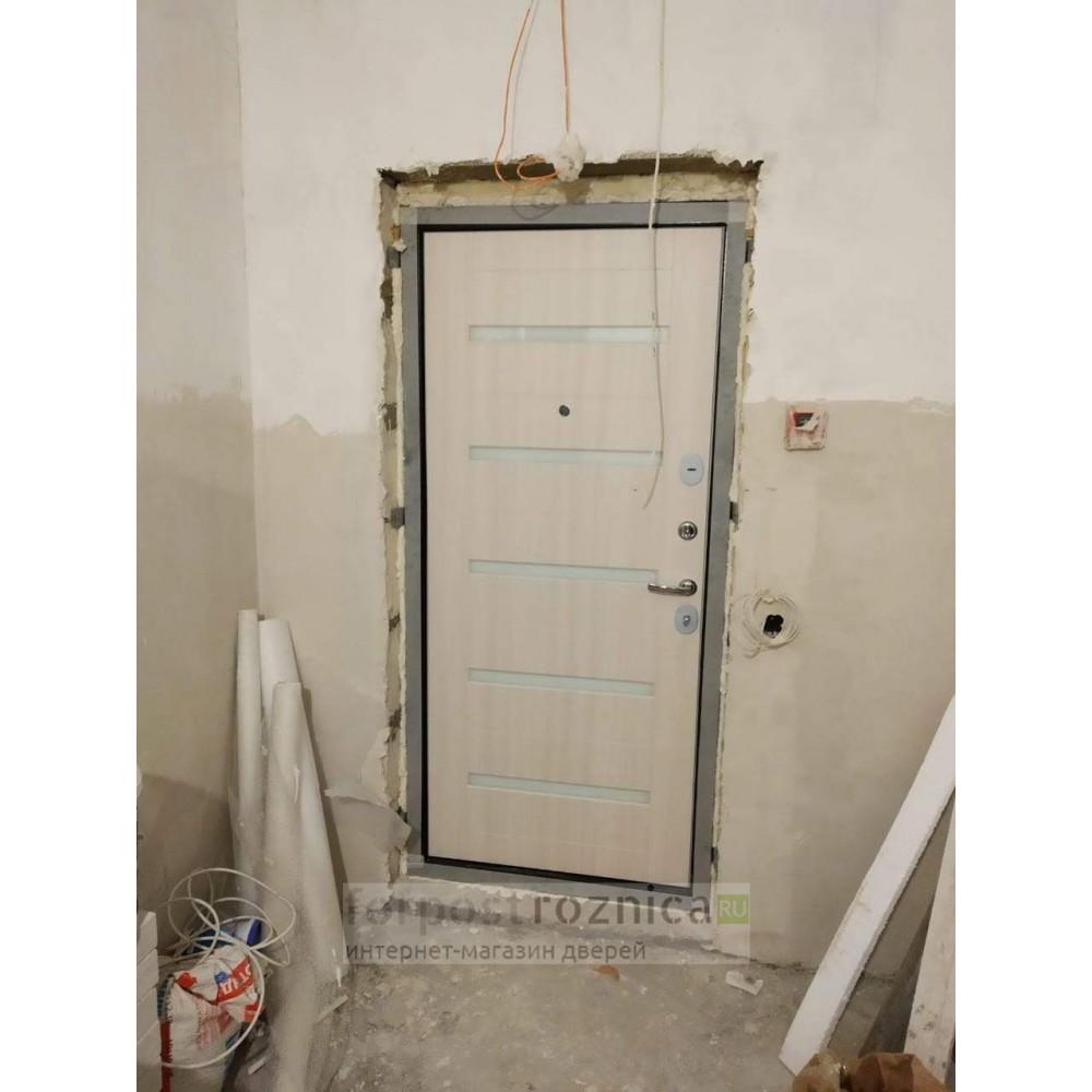 Входная дверь Лабиринт МЕГАПОЛИС 01 - Сандал белый, стекло белое (с шумоизоляцией)